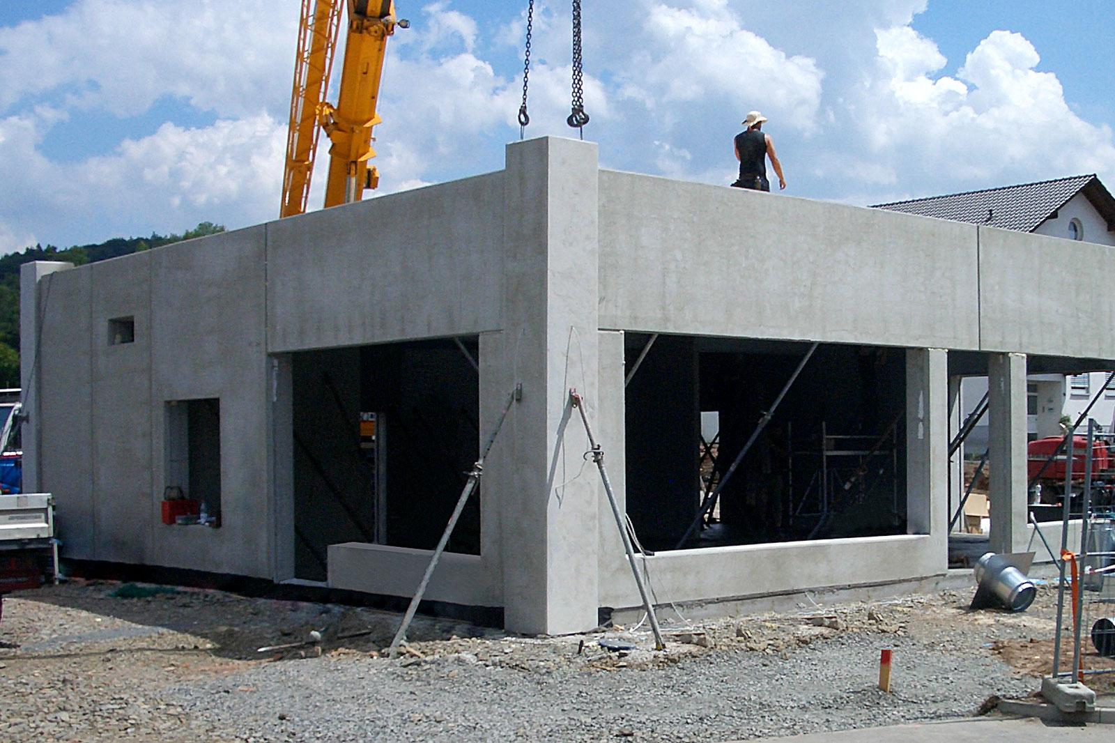 Baustellenbild eines Subway Restaurant in Stahlbeton-Fertigteil Bauweise